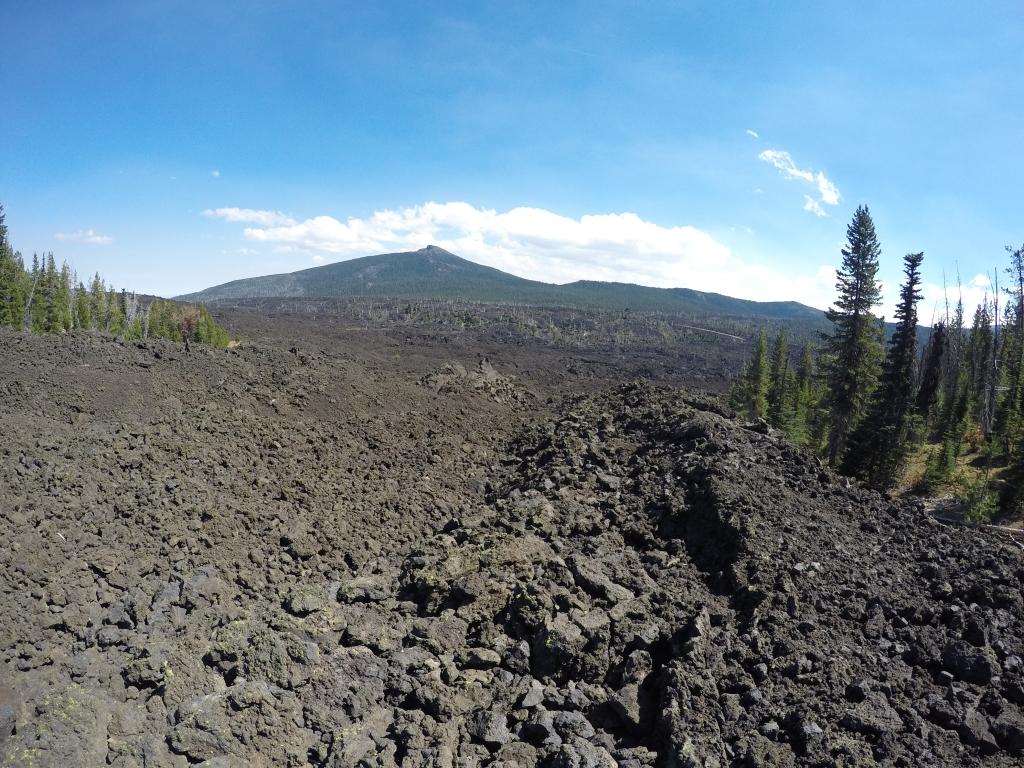 U daljini Black Crater