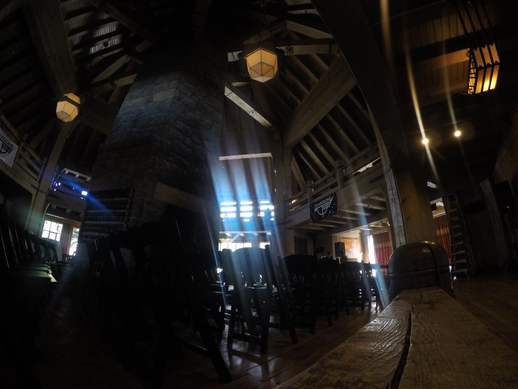 U trenicima kada sam bio u Timberline Lodge-u održavao se festival country glazbe. Unutrašnjost hotela je prekrasna...